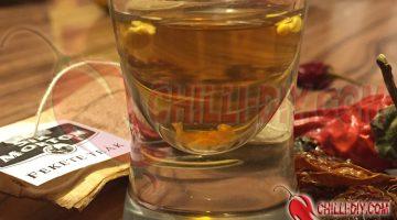 Chilisamen in Earl Grey eingeweicht